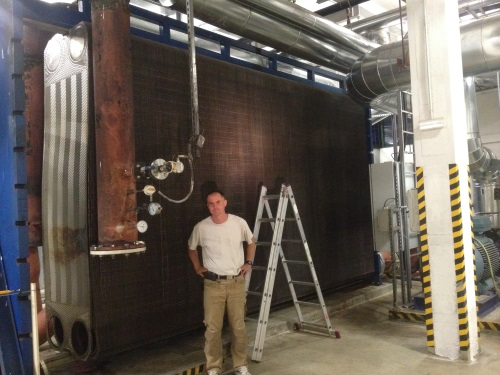 Plate heat exchanger maintenance